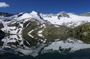 Unterer Gerlos See mit Gabler, Reichenspitze und Wildgerlosspitze